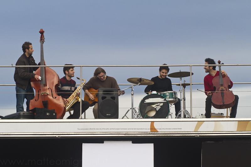 musicisti sul Caravan